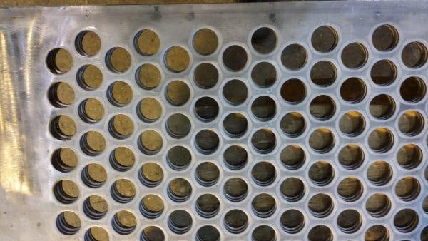 Perforeret plade, hulplade med runde huller i triangeldeling